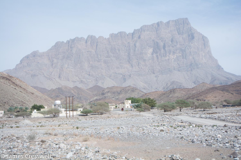Jebel Misht: a submarine volcano and atol, part of the Hawasina nappe