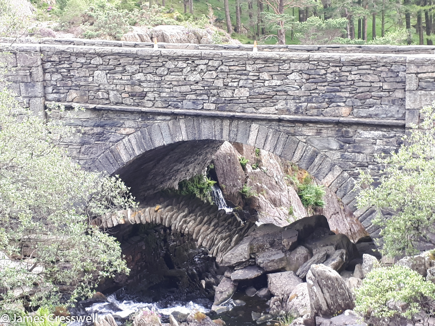A Roman bridge under the modern bridge