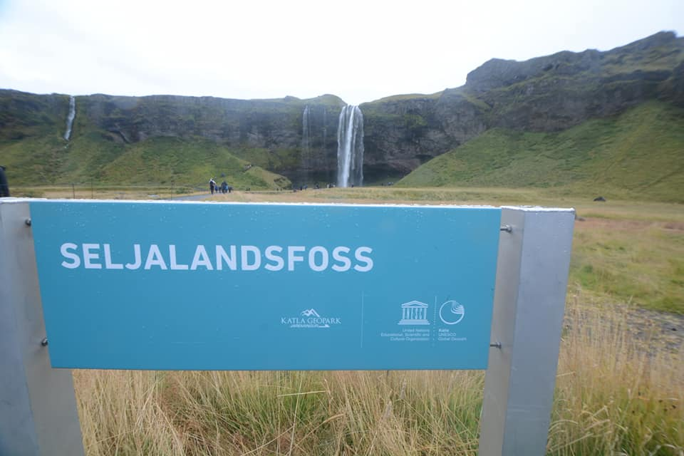 Seljalandsfoss geopark sign